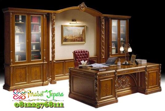 Set Meja Kantor Bos Design Minimalis