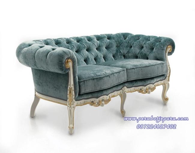 Desain kursi sofa klasik mewah untuk interior ruang tamu for Sofa klasik
