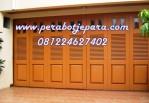 Model Pintu Garasi Rumah
