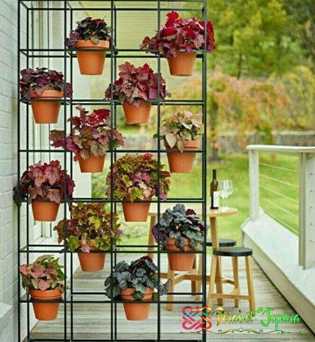 Rak bunga minimalis dari besi