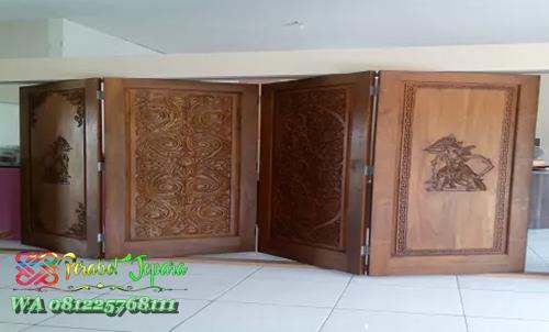Pintu lipat kayu jati jepara untuk penyekat ruangan